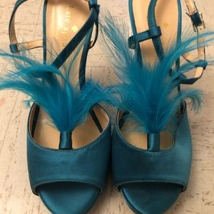 Gorgeous 💙KATE SPADE💚 Reanna Heels w/ Feathers!